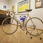 bicicletta d'epoca con quadri